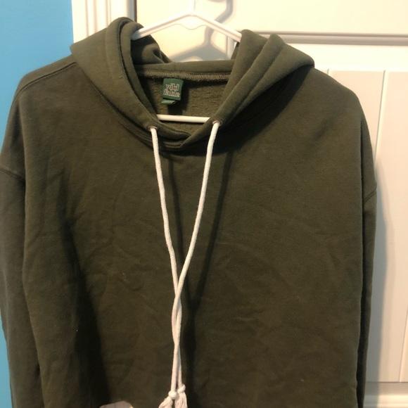 Cropped green hoodie